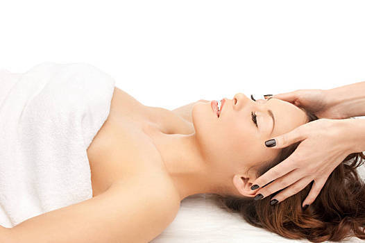 正確睡姿 可以減少皺紋