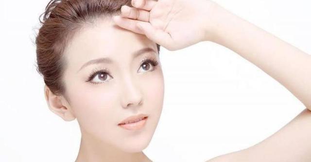 用什麼洗臉去黑頭收縮毛孔?
